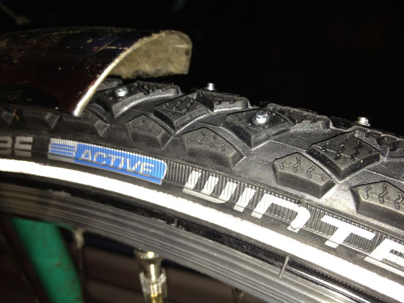 Schwalbe Winter spike tyres fitted to commuting bike